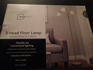 """Mainstay 3 head floor lamp 5' 3"""" tall for Sale in Tampa, FL"""