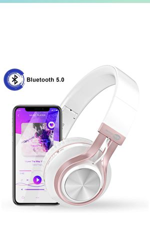 Bluetooth wireless headphone for Sale in Medford, MA