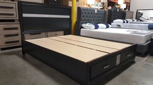 Coaster Miranda Storage Bed Frame, Queen Size, Black for Sale in Fountain Valley, CA