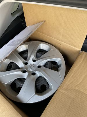 """New Toyota Rav 4 rims and caps 17"""" (set of 4) for Sale in Wenatchee, WA"""
