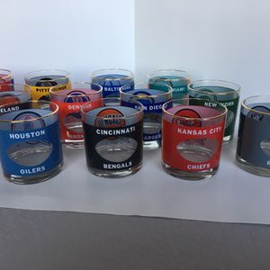 """House Art NFL Football Helmet Glass Tumblers 3 1/4 """" for Sale in Arlington Heights, IL"""