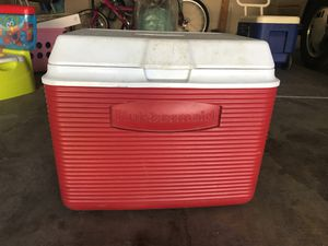 Cooler for Sale in Clovis, CA
