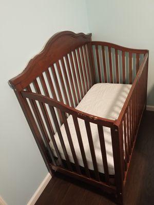 Baby crib for Sale in Oak Grove, MN