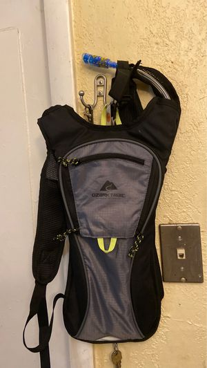 2L hydration reservoir backpack for Sale in Hollywood, FL