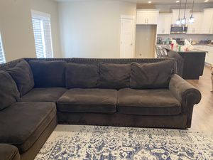 Sectional couch for Sale in Benjamin, UT