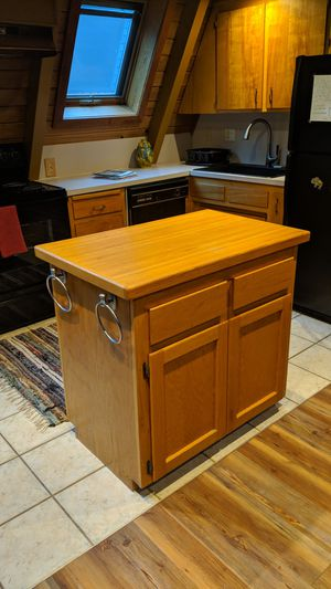 Wood Kitchen Island for Sale in Snoqualmie, WA