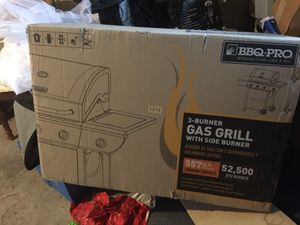 BBQ PRO 3 Burner Propane Grill for Sale in Cleveland, OH