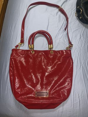AUTHENTIC Marc Jacobs red leather gloss bag women's shoulder bag used once for Sale in Pembroke Pines, FL