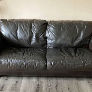 Chocolate Brown leather Couch for Sale in Hendersonville, TN