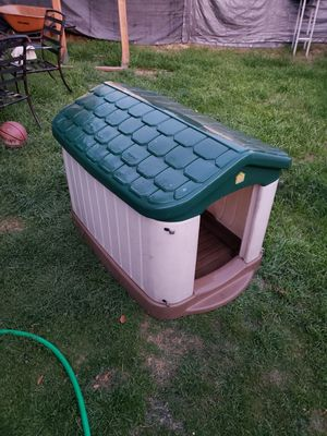 Pet zone dog house for Sale in South Gate, CA