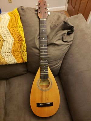 Amigo AMT10 Travel Guitar with bag for Sale in Dayton, OH