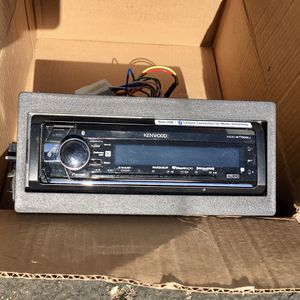 Kenwood KDC-BT568U In-Dash CD/DM Car Audio Receiver Housing Unit And Remote for Sale in Chatsworth, CA