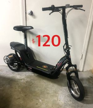 36 volt Electric Scooter. New Batteries and charger. Ready to ride. for Sale in Tustin, CA
