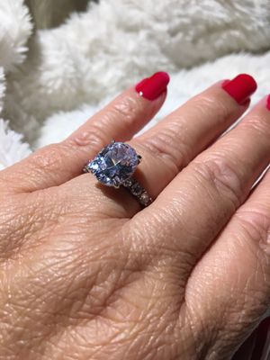 ITALO BEAUTIFUL RING for Sale in Las Vegas, NV