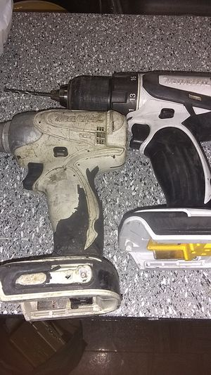 Makita impact and drill comes with cases and cases of bits for Sale in Dallas, TX