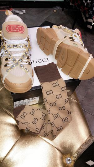 Gucci sneaker and matching socks for Sale in Matteson, IL