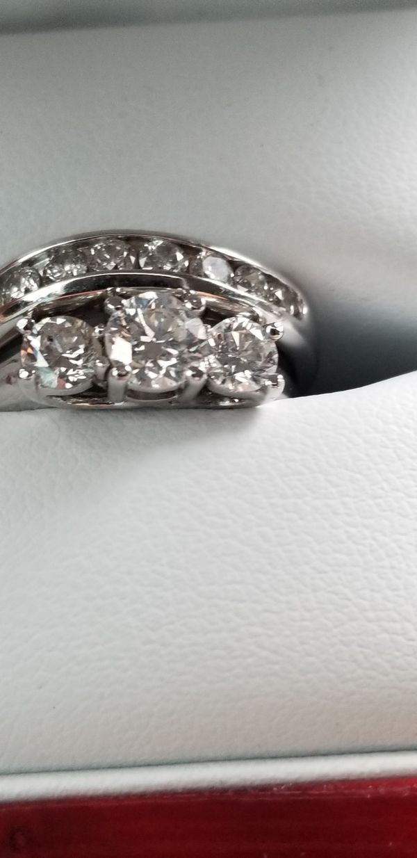 Trinity diamond ring with wedding band