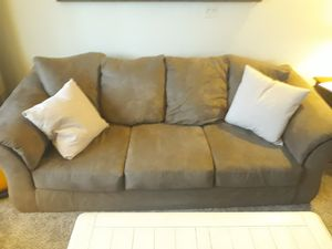 Large couch and love seat for Sale in Utica, MI