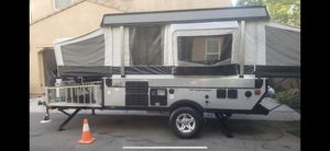 2008 Fleetwood E2 evolution Offroad toy hauler tent trailer for Sale in Ontario, CA