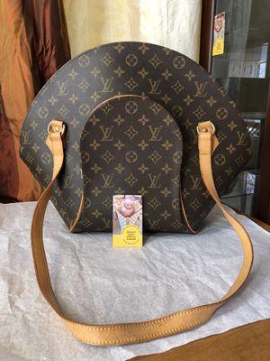 Ellipse GM Shoulder Bag Louis Vuitton for Sale in Chandler, AZ