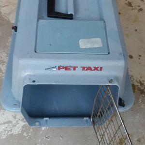 Pet Carrier for small dogs or cats for Sale in Riverside, CA