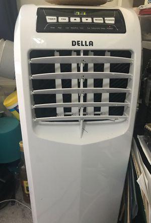 Air Conditioner Della 10000 BTU for Sale in Berkeley, CA