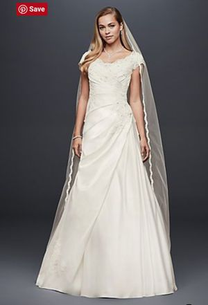 Beautiful Wedding gown for Sale in Gresham, OR