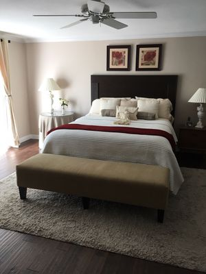End of bed ottoman for Sale in Alta Loma, CA