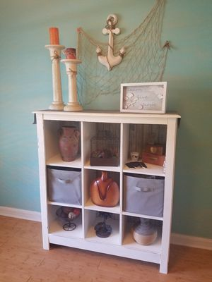 Distressed off-white bookcase for Sale in Palm Bay, FL
