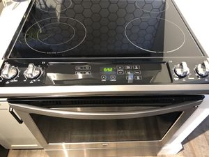 Kenmore Stainless Steel Electric Stove for Sale in Hoboken, NJ