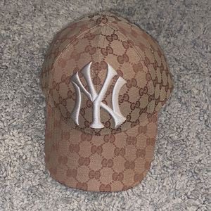 Gucci New York Yankees Hat - 57-61 cm for Sale in Fresno, CA