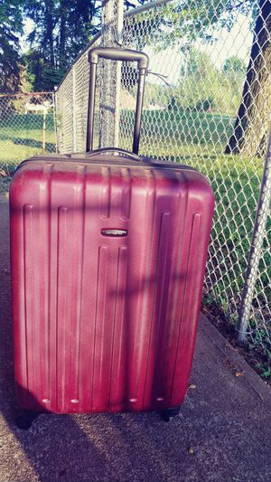 Large Samsonite suitcase for Sale in NO HUNTINGDON, PA