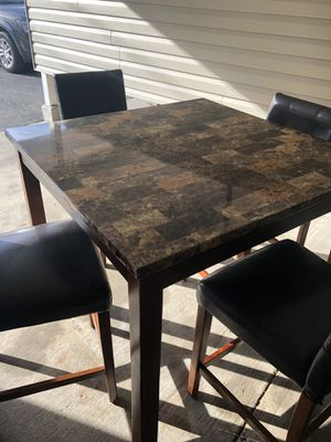 Kitchen table, normal wear and tear. 4 chairs and 1 table (ft.lewis) for Sale in LEWIS MCCHORD, WA