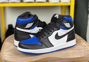 Jordan 1 blue toes size 8.5 DS for Sale in Fresno, CA