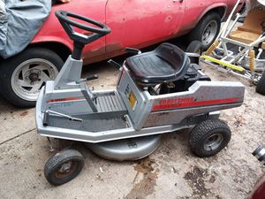 Craftsman rear engine riding lawn mower for Sale in HOFFMAN EST, IL