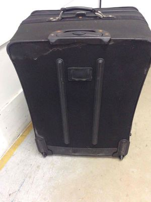 Large Suitcase for Sale in Miami Gardens, FL