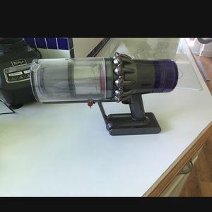 Dyson V11 Torque Drive cordless vacuum for Sale in Miami, FL