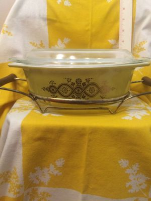 Pyrex 043 golden wreath for Sale in Vero Beach, FL