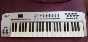 M-audio oxygen 49 midi keyboard, like new, for sale or trade, $125 or best offer. Brooklyn for Sale in Brooklyn, NY