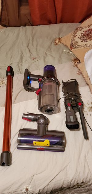 $200 Dyson vacuum for Sale in Fontana, CA
