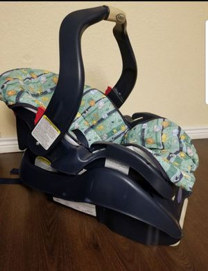 Graco Infant Car seat with base for Sale in Arvada, CO
