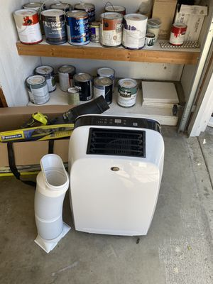 Area air conditioner Royal sovereign 9000 BTUs for Sale in Santa Ana, CA