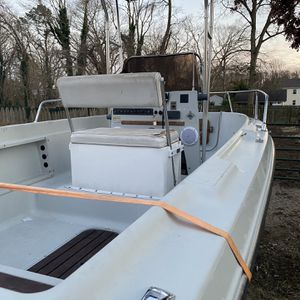 18 Ft Center Consol Boat for Sale in Bohemia, NY