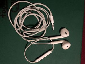 Brand new Apple EarPods headphones with auxiliary input for Sale in Fresno, CA