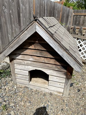Free dog house for Sale in Clackamas, OR