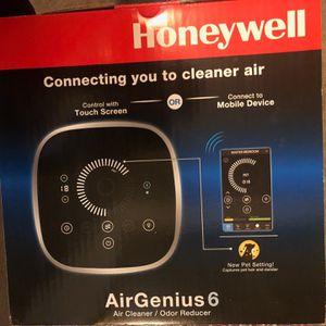 Honeywell Air Purifier for Sale in Artesia, CA