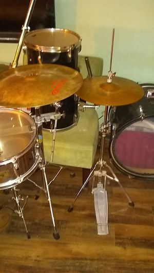 Pearl drum set for Sale in Sun City, AZ