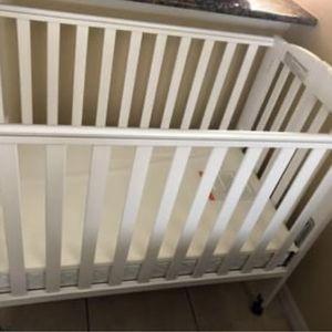 Cuna Con Mattress / crib with mattress for Sale in Kissimmee, FL