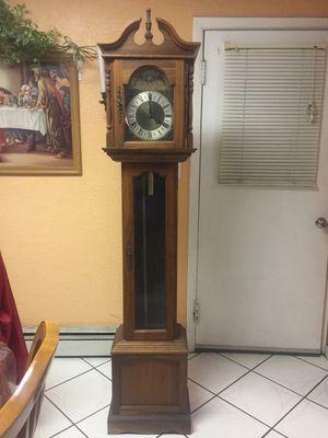 Antique vintage 6 foot grandfather clock/ reloj de piso antiguo for Sale in Fontana, CA