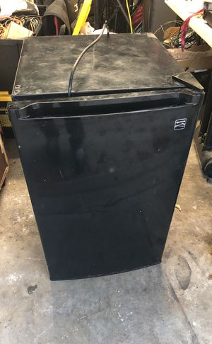 Mini fridge for Sale in Hawthorne, CA